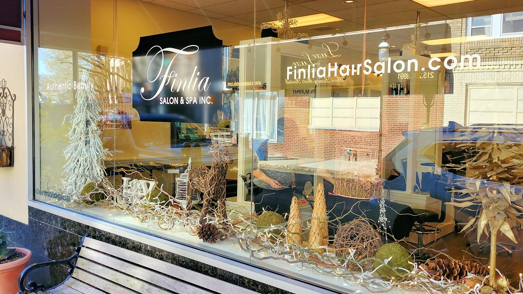 Finlia Salon - Frontage - Holidays