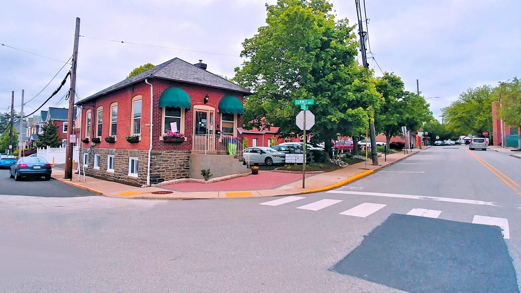 201 Leedom & Summit Ave.