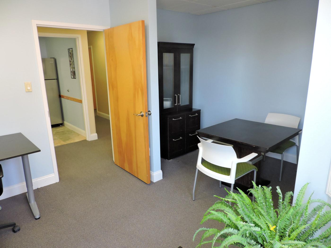 Suite104-Exit-DSCN1571