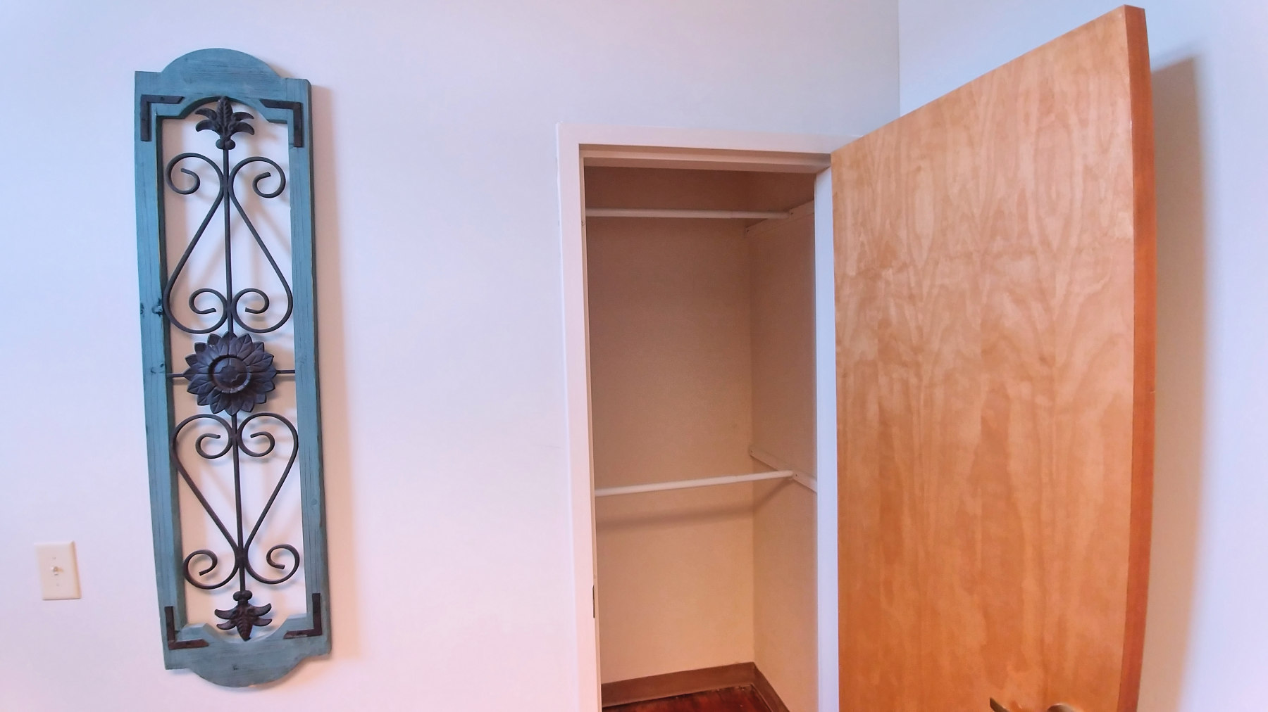 Closet Suite 202